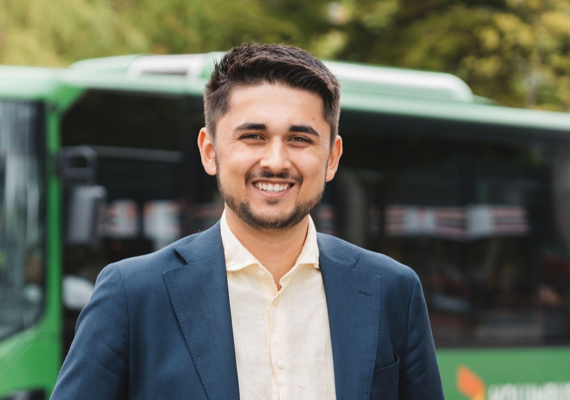 YNGST: Aldri før har en 21-åring blitt valgt til ordfører. Jonas Andersen Sayed ble valgt inn i kommunestyret allerede som 17-åring.