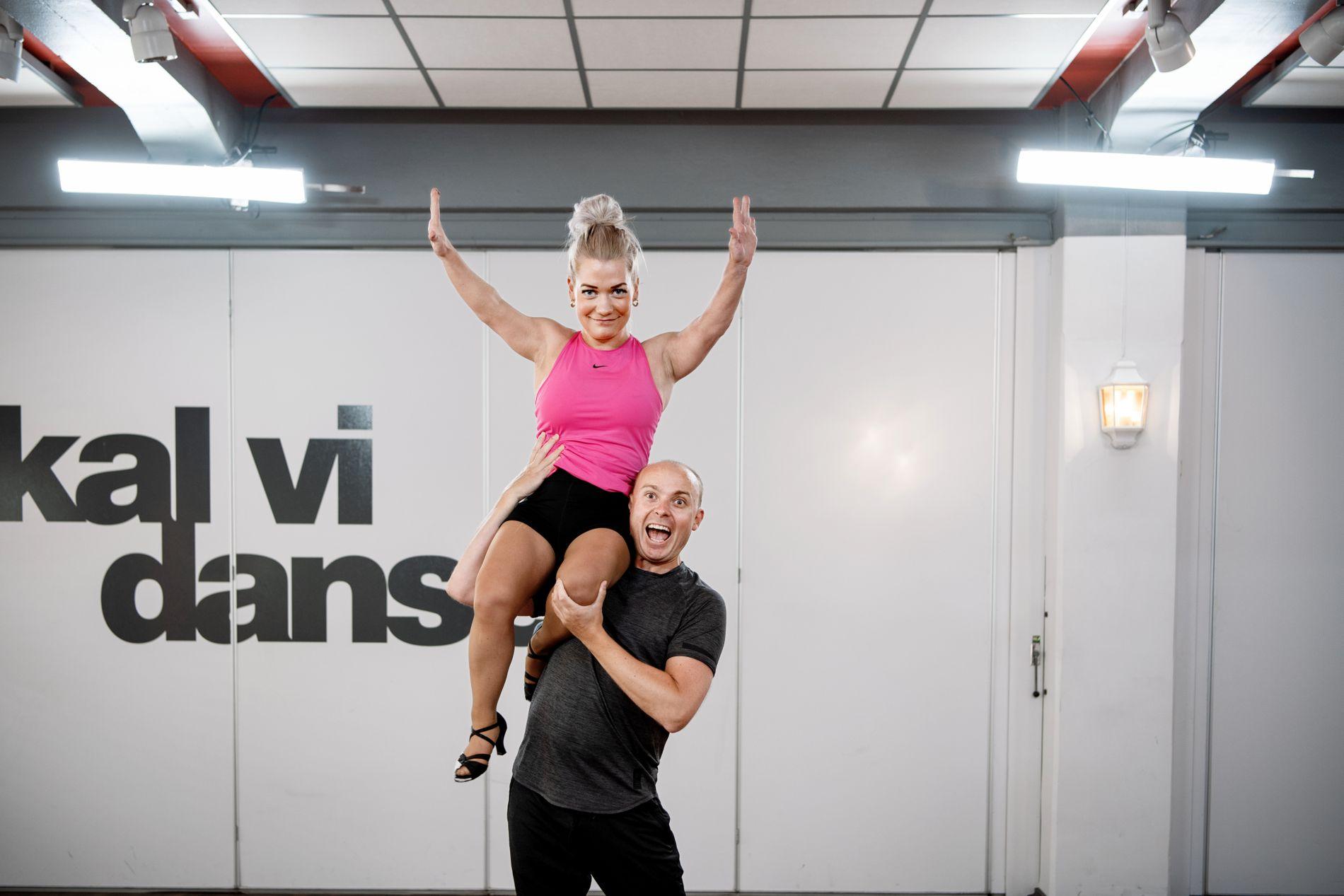 LØFT: Sandra Borch og Bjørn Wettre Holthe i dansestudioet tidligere denne uken.