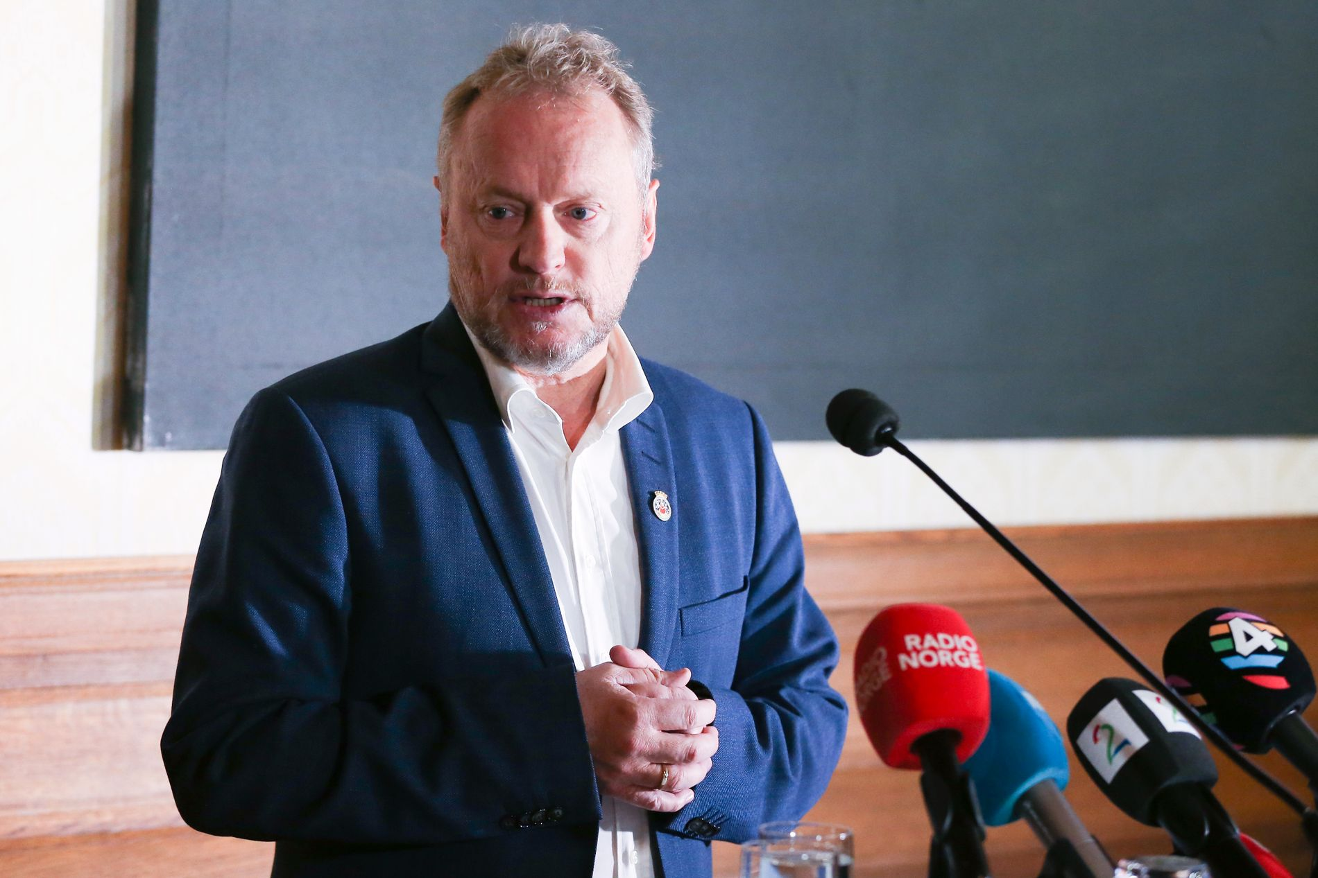 BYRÅDSLEDER: Raymond Johansen holdt fredag pressekonferanse.