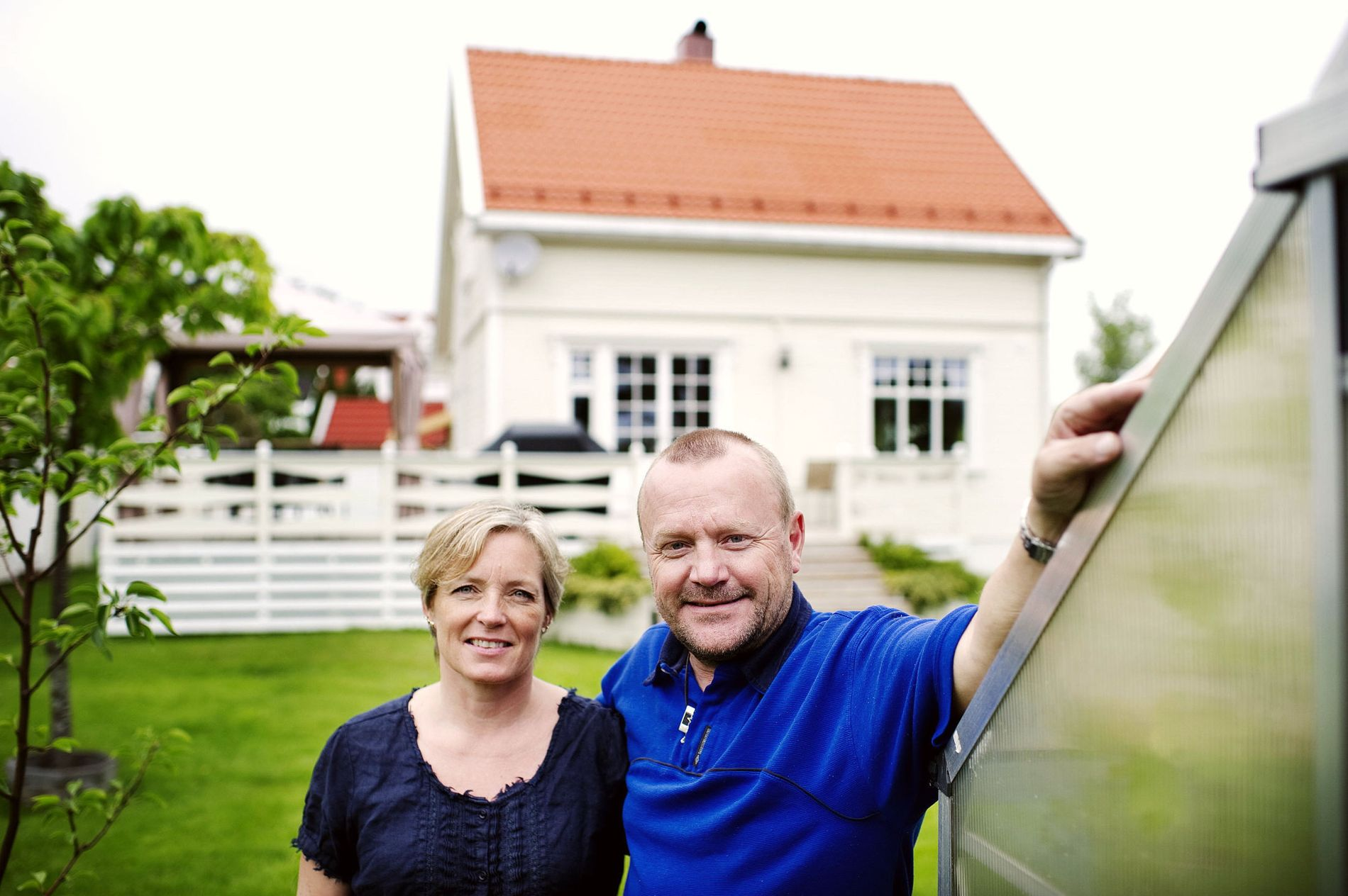 Flyttet lånet, sparer penger: Bente og Rune Orderud fra Moss har byttet bank og refinansiert lånet på boligen: – Nå betaler jeg over 1600 kroner mindre i boliglån per måned, sier Rune Orderud.