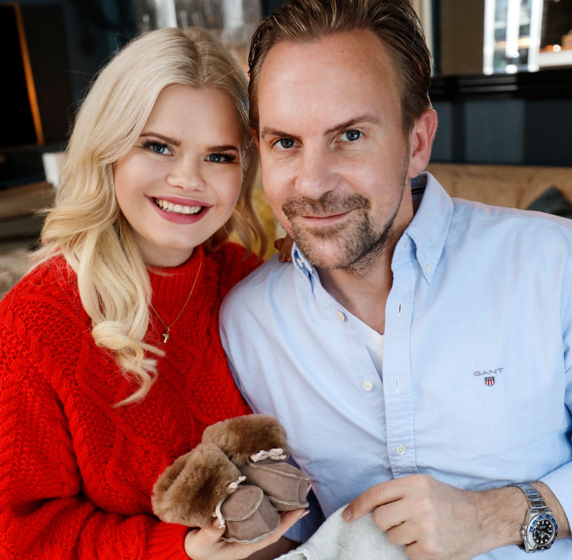 FORELDRE: Julianne og Ulrik Nygård tok imot VG hjemme i sin egen stue i desember i fjor. Da var hun fire måneder på vei.