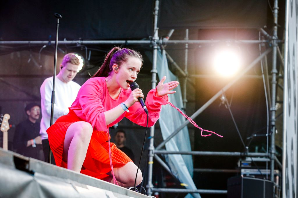 I AKSJON: Sigrid under konserten på Øya torsdag.