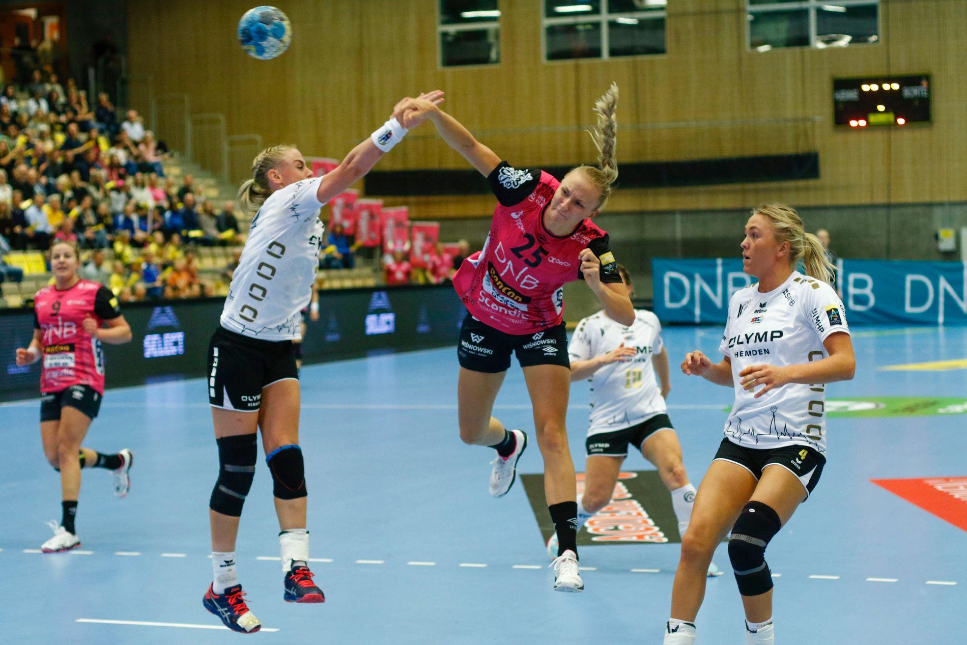 I SVEVET: Henny Ella Reistad (i rosa) er klar for neste måneds EM. Her i aksjon for Vipers under Champions League-kampen mot Bietigheim.
