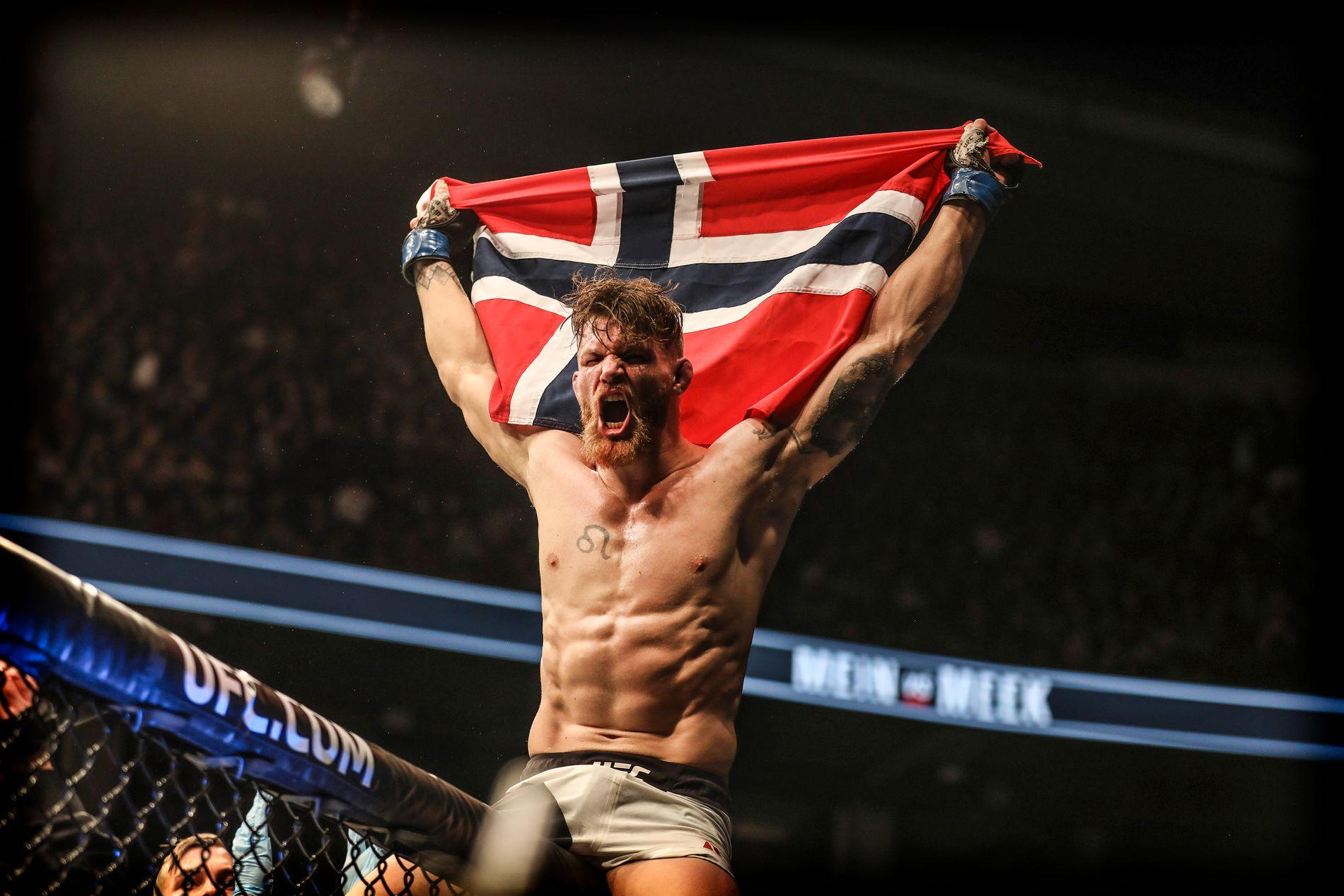 NÆRMER SEG KAMP: Emil Weber Meek avbildet etter UFC-debuten i Toronto i 2016.