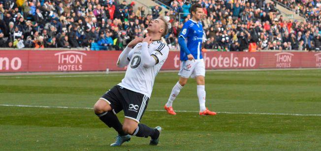 OPPGITT: Alexander Søderlund fortviler over en misset sjanse i cupfinalen mot Sarpsborg. RBK-eren ble overlegen toppscorer i Tippeligaen 2015.