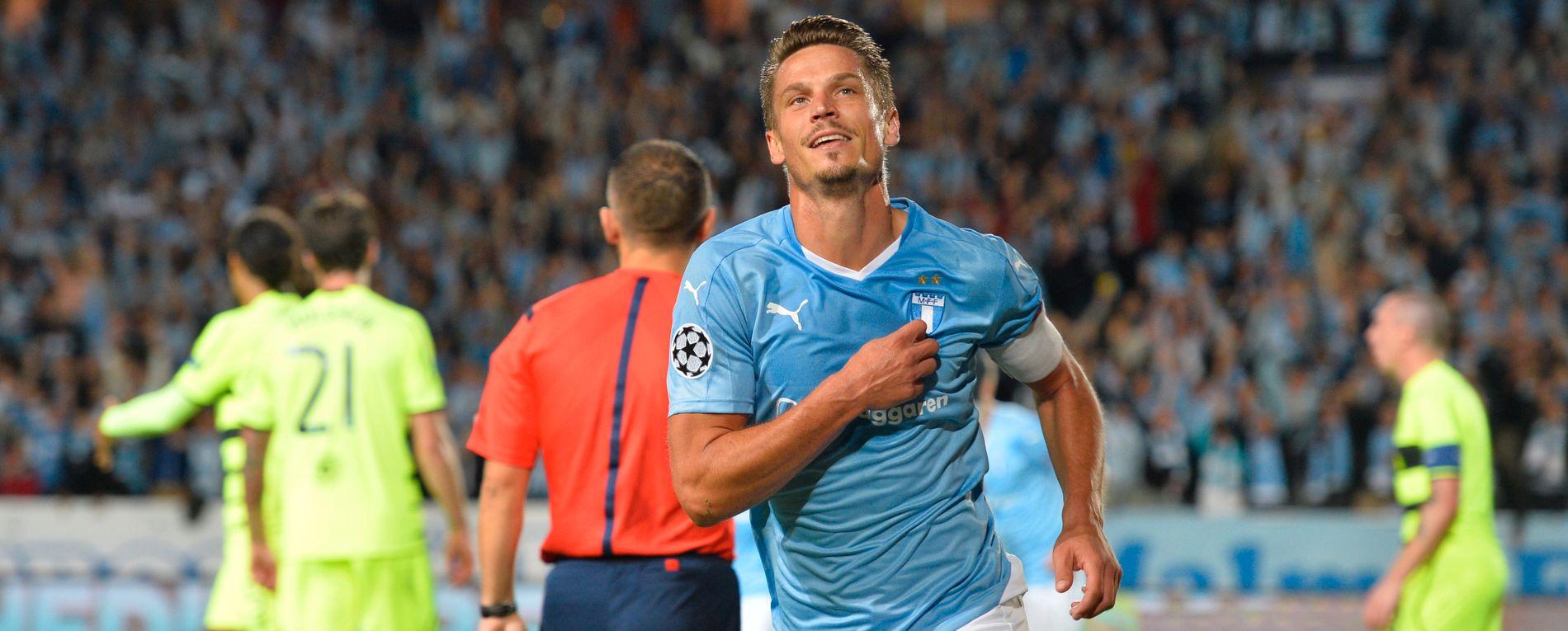 SUKSESS: Markus Rosenberg jubler etter å ha sendt Malmö FF til Champions League etter en scoring mot Celtic i august 2015.