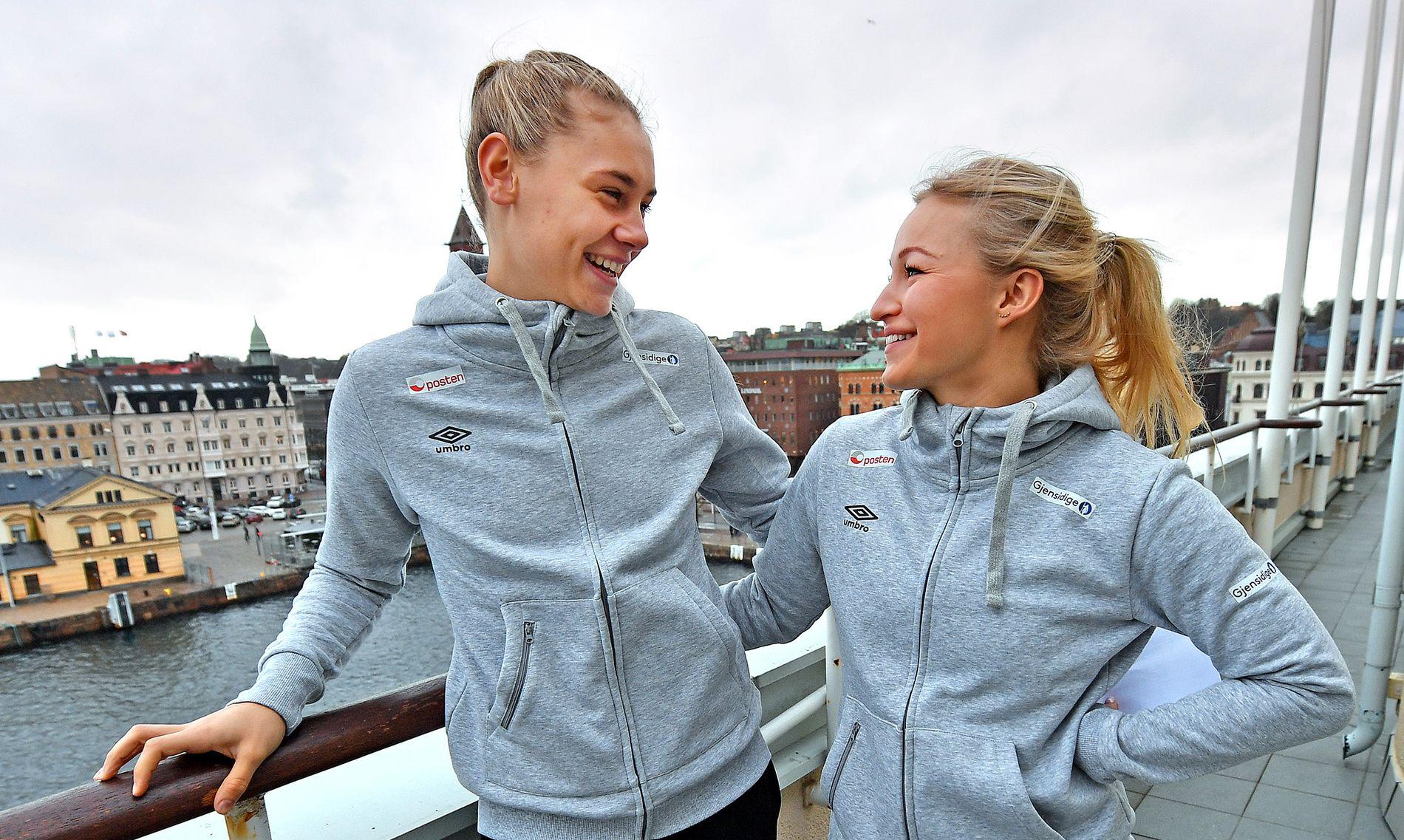 KAPTEINENS NYE MATROS: Stine Bredal Oftedal (til høyre) leder Norge for tredje gang som kaptein. Håndballjentenes nye mor har allerede etablert et nært forhold til debutant Kjerstin Boge Solås.
