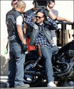 MC-MESTER: Charlie Hunnam i rollen som Jackson Teller i forbindelse med innspillingen av «Sons of Anarchy». Foto: WENN.COM