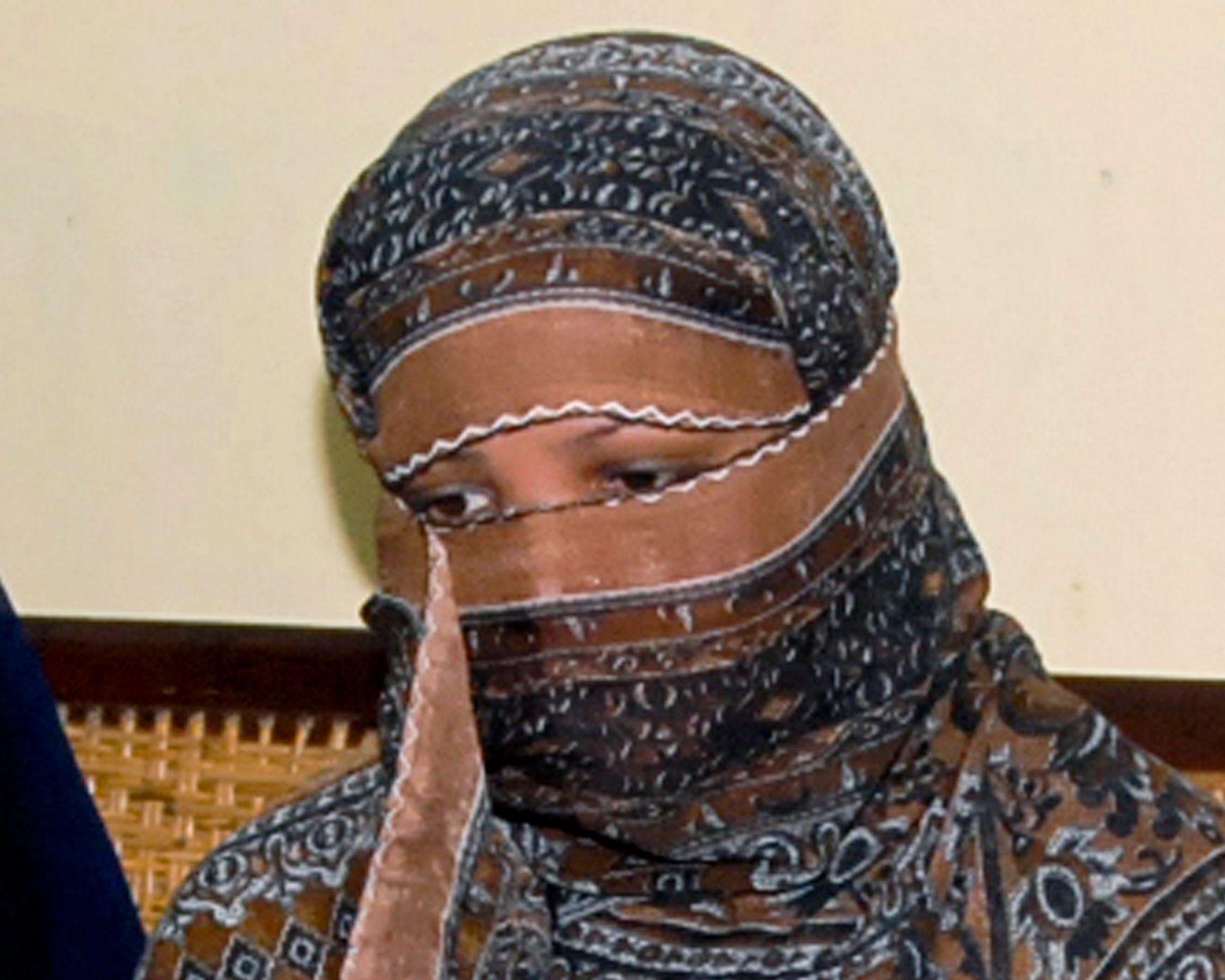 ASIA BIBI: Den kristne, pakistanske kvinnen Asia Bibi avbildet i fengselet i Sheikhupura utenfor Lahore i 2010.