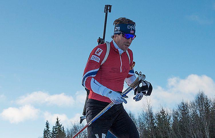 PÅ TRENINGSLEIR: Emil Hegle Svendsen er sammen med skiskytterne på treningsleir i Trysil. Her er han i gang med morgenøkten i dag.
