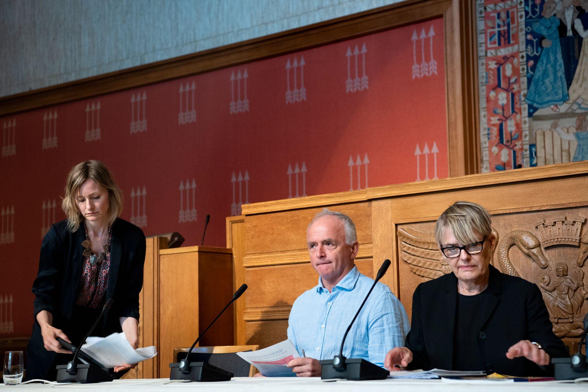 SKOLE-TRIO: Skolebyråd Inga Marte Thorkildsen, hovedverneombud i Utdanningsetaten Einar Osnes og Utdanningsdirektør Astrid Søgnen.