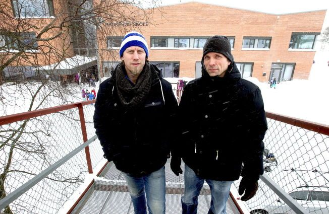 PRISVINNERE: – Det er grunn til å hedre Zola-prisvinnerne Joakim Bjerkely Volden og Marius Andersen. De representerer det beste i norsk skole og ga ikke opp da andre lærere valgte lydighet og selvsensur, skriver kronikkforfatteren.
