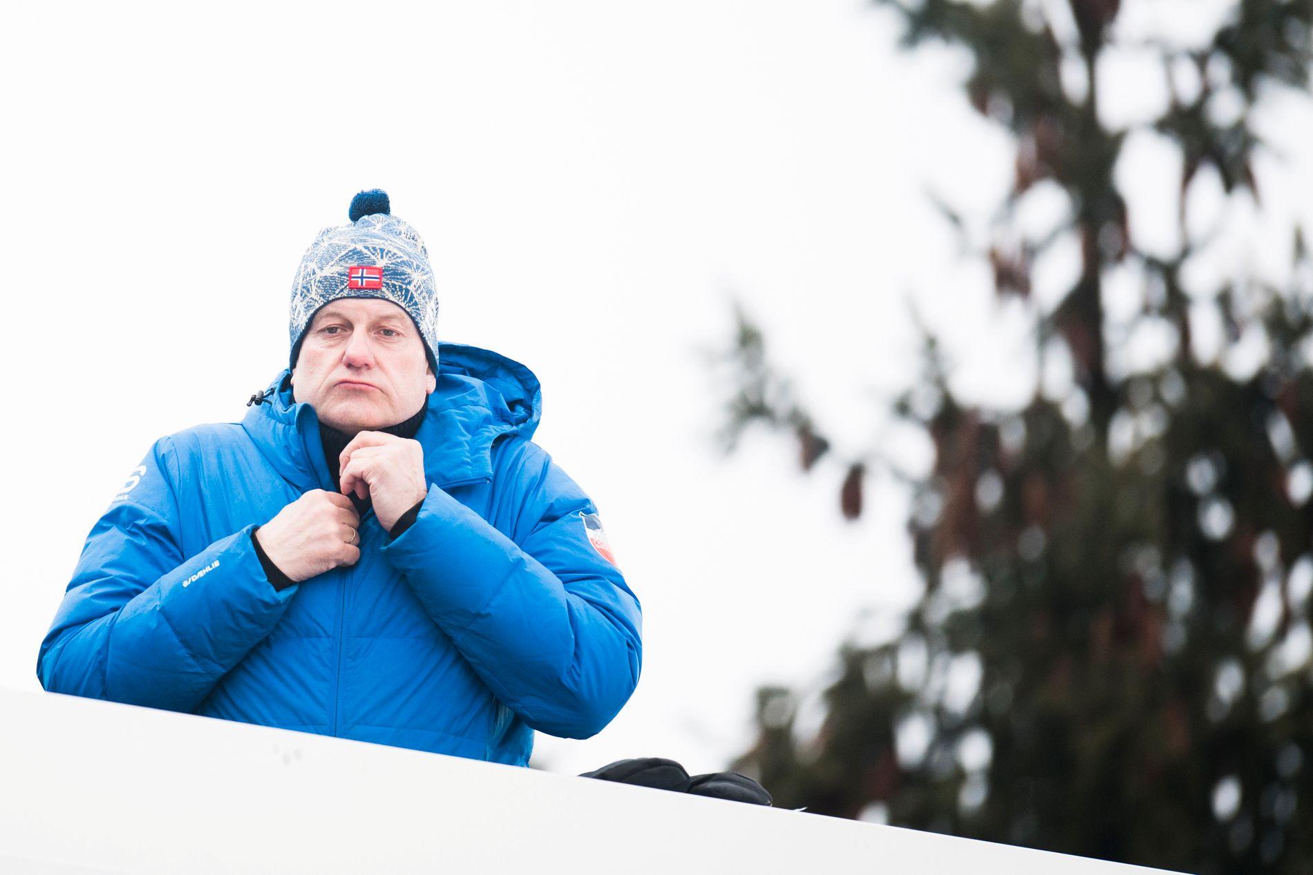 HAR HENDENE FULLE: Skipresident Erik Røste og resten av styret vil diskutere kaoset i Alpin-Norge i et telefonmøte onsdag.
