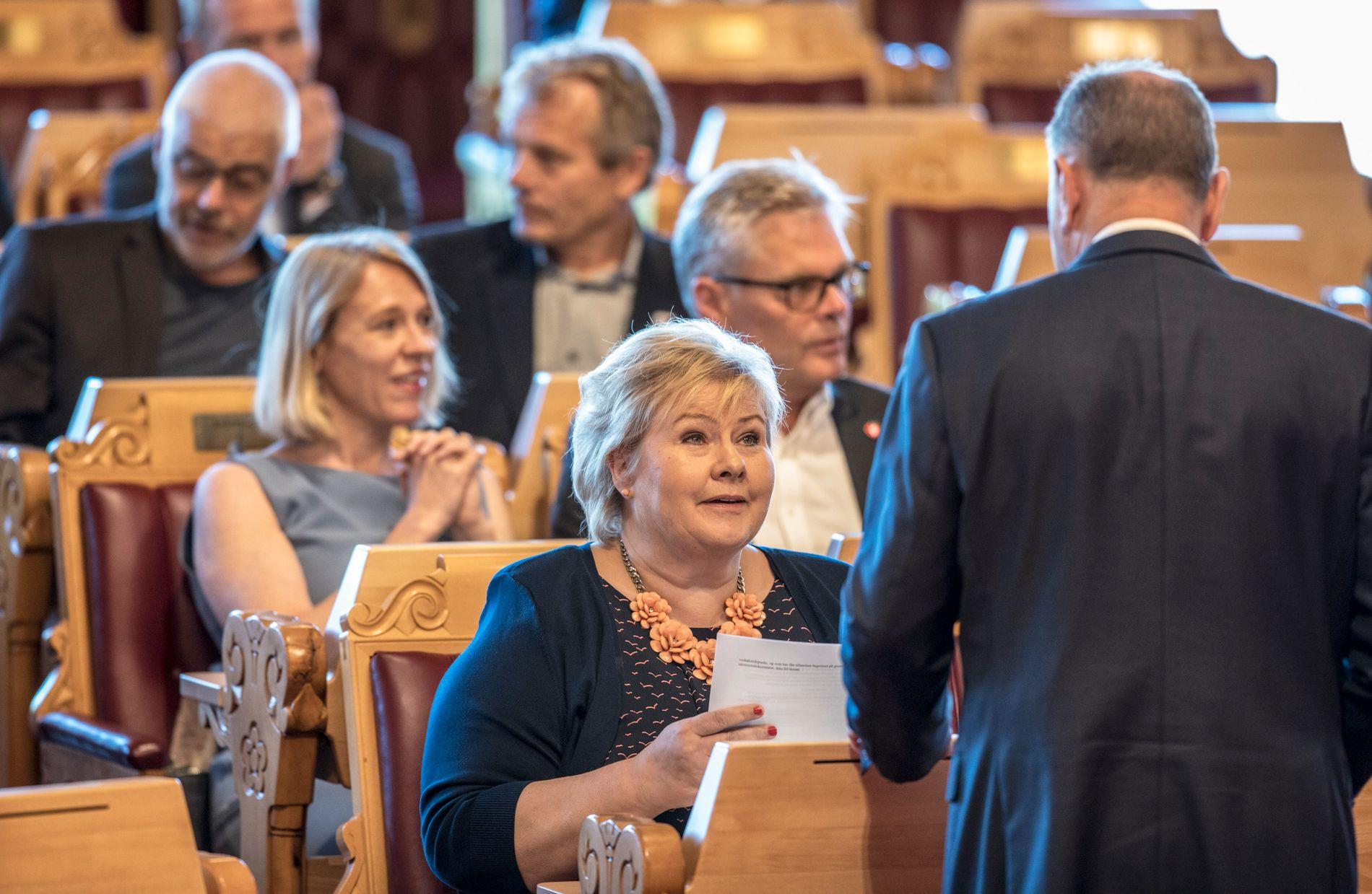 FORSTÅR ENGSTELSEN: Statsminister Erna Solberg (H) måtte onsdag svare for ambulansefly-krisen, og sa at hun mener situasjonen har normalisert seg – men at hun har forståelse for at situasjonen skaper engstelse i Nord-Norge.