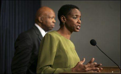 NYTT LOVFORSLAG: Kongressmedlem Donna Edwards tar til orde for å lage en nasjonalpark på månen.