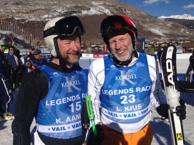 FRYKTET DUO: Kjetil André Aamodt og Lasse Kjus fikk mye oppmerksomhet da de herjet i VM-løypen onsdag.