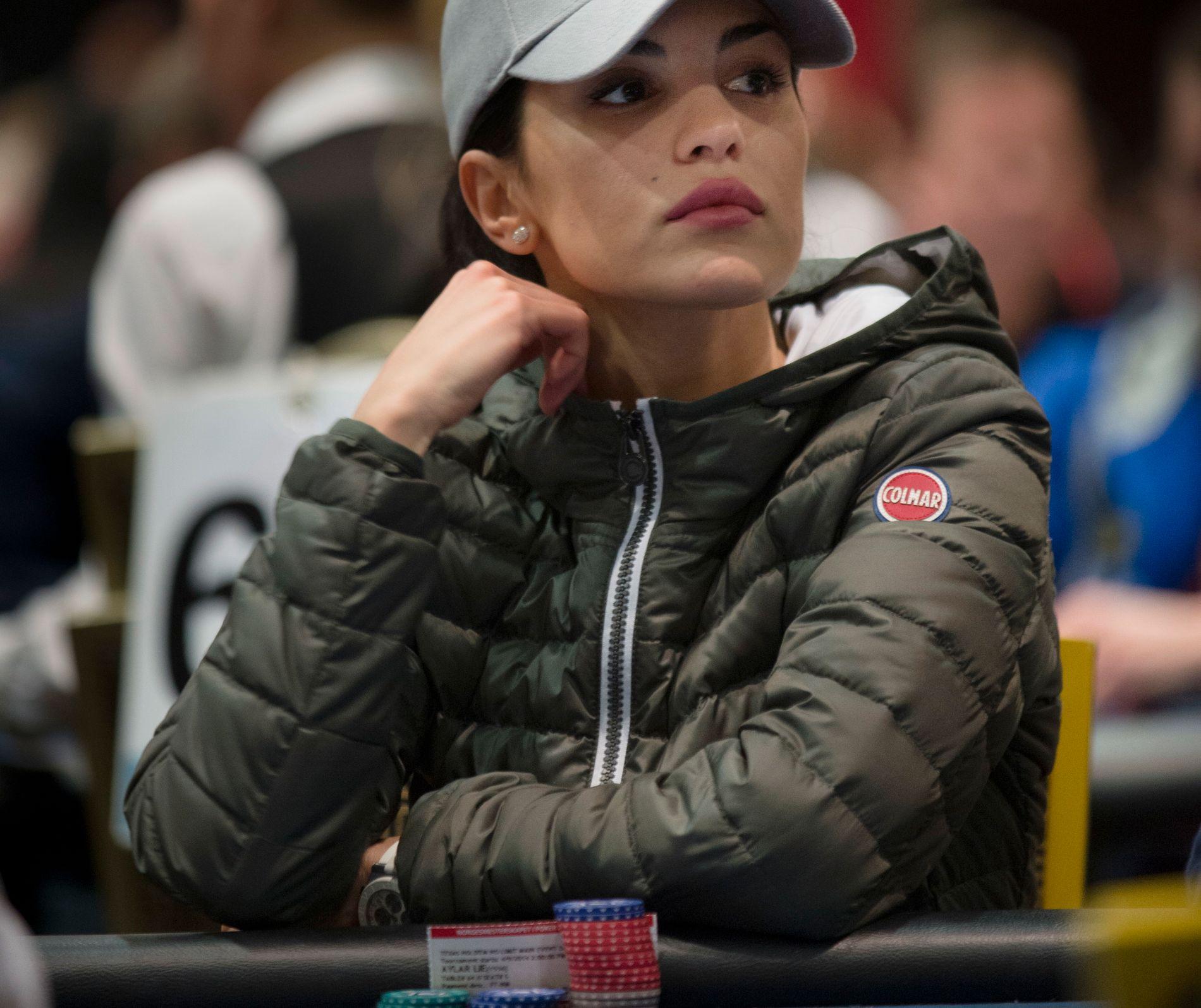 INNREISETRØBBEL: Presidentordren kan føre til at Aylar ikke får deltatt i pokerturneringer. Her fra Dublin i 2014.