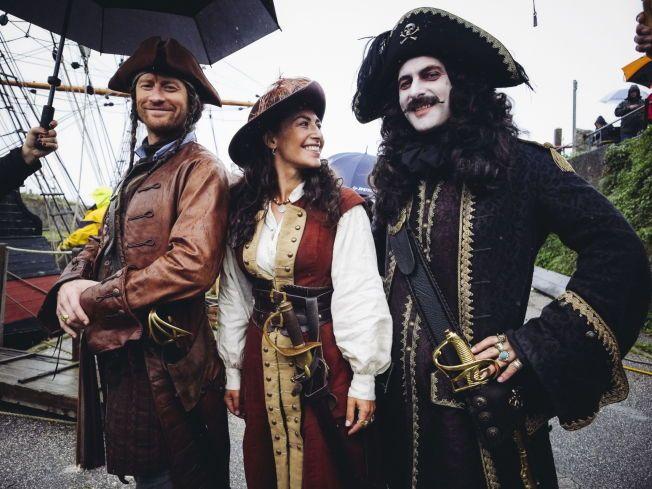 GULLTØRSTE: Piratene i «Kaptein Sabeltann og skatten i Lama Rama» kaprer ikke bare gullskatter. Nå kan de ta med en Amanda-statuett om bord på Den Sorte Dame.