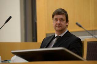 ADVOKAT: John Christian Elden forsvarer korrupsjonstiltalte Eirik Jensen.