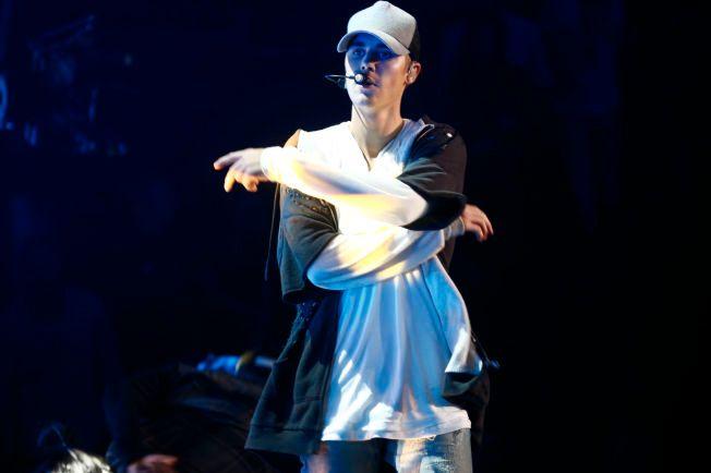 I NORGE: Her er Justin Bieber avbildet sist han var på scenen i Norge, under minikonserten for snaut 1000 publikummere i Chateu Neuf, altså før han forlot scenen i sinne.
