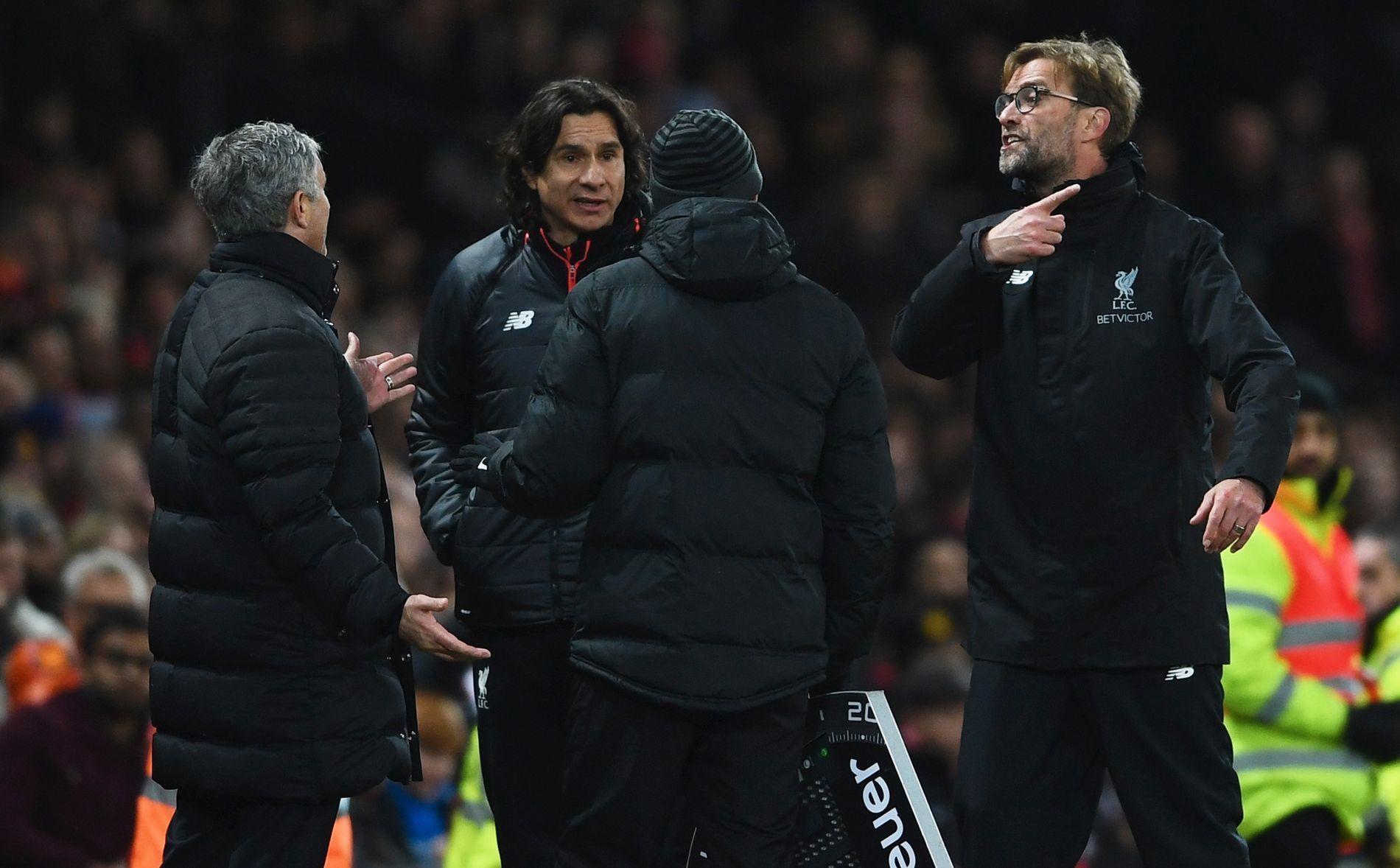 KRANGLET: Jürgen Klopp (t.h.) og José Mourinho (t.v.), kranglet mye da Liverpool og Manchester United møttes i januar.