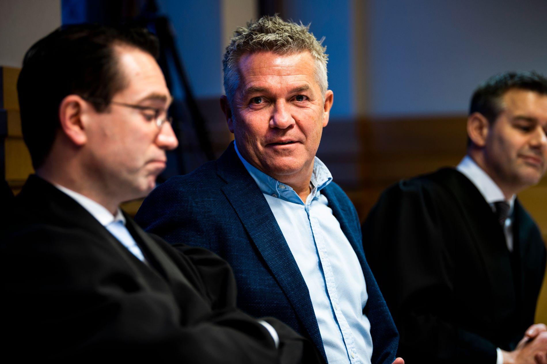 I RETTEN: Ingebrigtsen sammen med advokat Andreas Ekker (til venstre) og Stein Kimsås-Otterbech under rettssaken i Sør-Trøndelag tingrett.