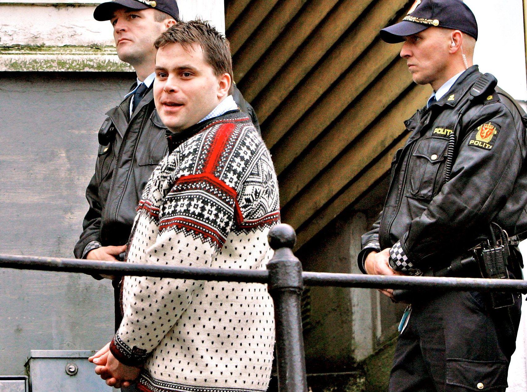 UTE: Nokas-hovedmannen David Toska (41) er underlagt flere strenge vilkår i forbindelse med hjemmesoningen – deriblant null kontakt med ranslaget som slo til mot tellesentralen i Stavanger i april 2004.