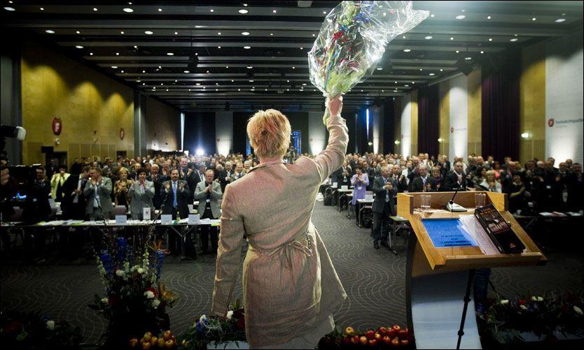 PÅ TOPP: Fremskrittspartiets leder Siv Jensen. Foto: Scanpix