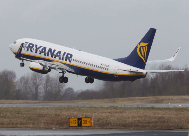 FLYSETEAVGIFTEN: For å få inn en milliard kroner neste år, vil politikerne innføre en ny avgift. Det kan bety kroken på døren for Rygge hvor Ryanair står for 90 prosent av trafikken.