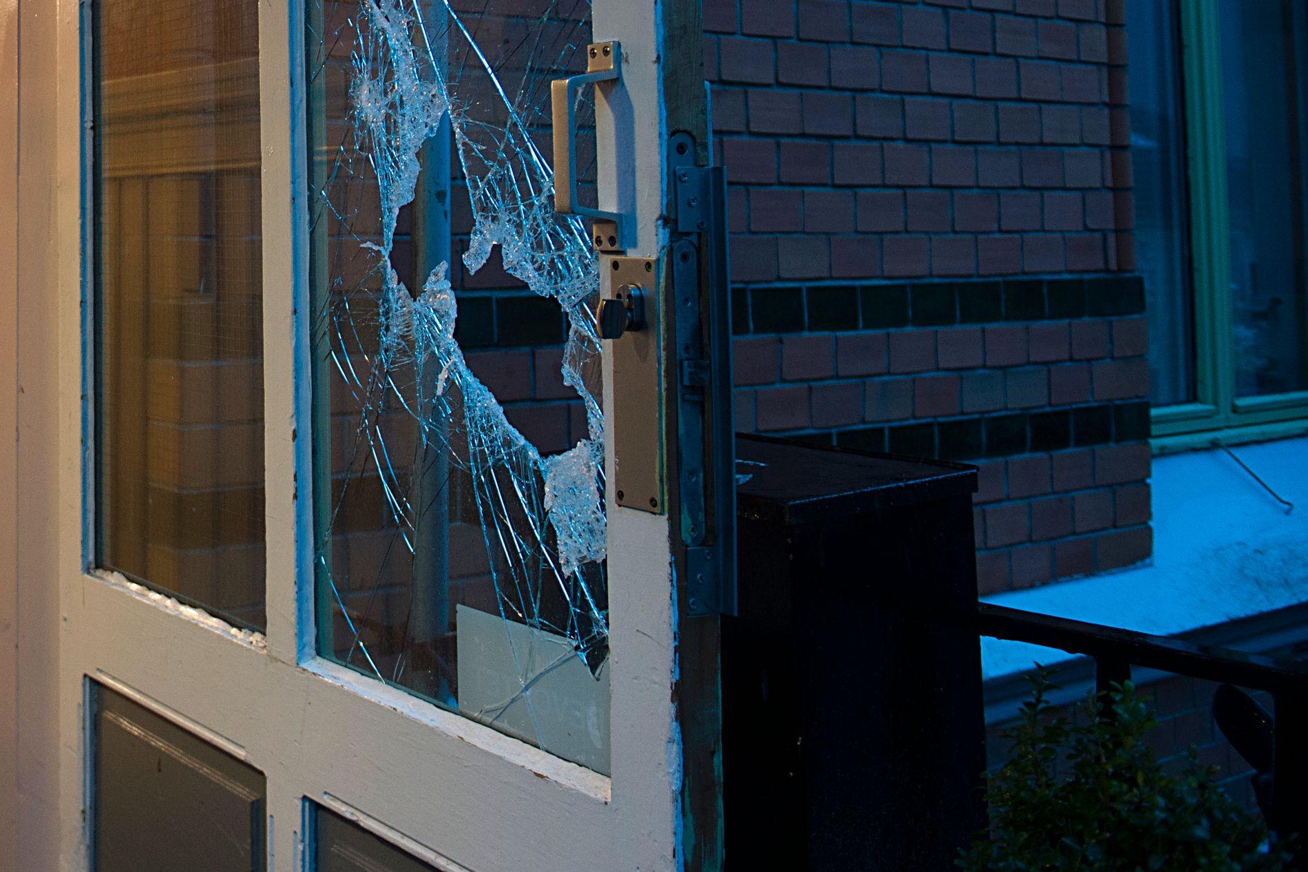 FUNNET DØD: En kvinne ble funnet død i dette bygget i Nordnes i Bergen natt til torsdag.