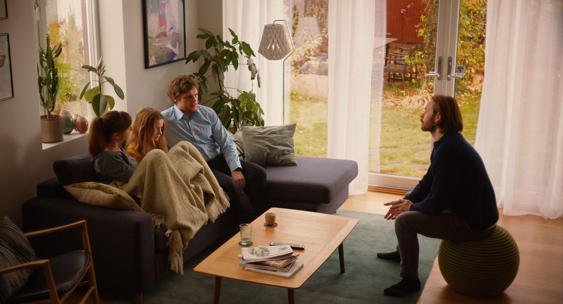 «BARN»: F.v: Andrea Bræin Hovig, Ella Øverbøe, Hans Olav Brenner og Jan Gunnar Røise i filmen.
