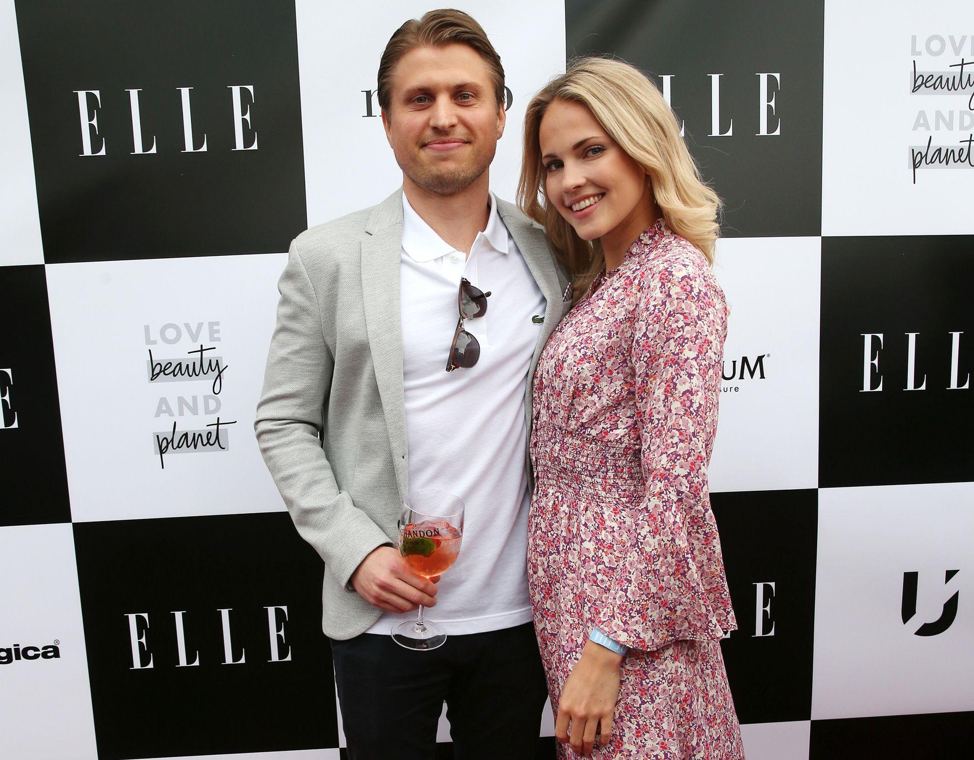 Emilie «Voe» Nereng med samboer og nå forlovede Torgeir Glomnes Johansen på Elle-festen i juni.