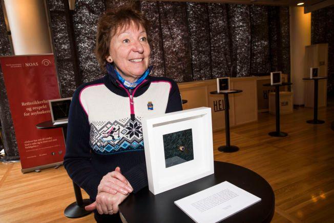 GA BORT MORS FINESTE: Marianne Borgen er en av 49 personer som har støttet aksjonen «et smykke for en flytning». I helgen auksjoneres de bort i en nettauksjon.