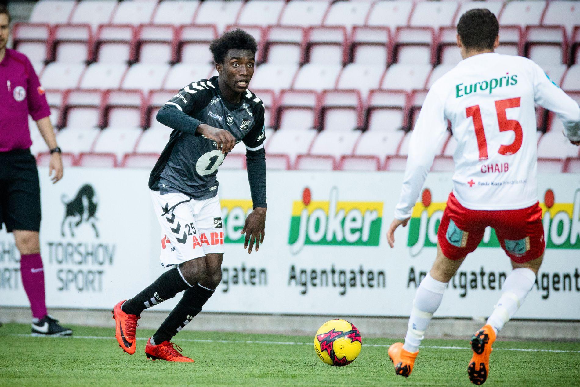 ULV I FÅREKLÆR: John Kitolano kan bli klar for Wolverhampton onsdag. Her i kamp i cupen mot Fredrikstad tidligere denne sesongen.