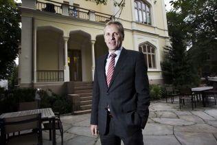 SJEF: Per Høiby, administrerende direktør i First House, utenfor PR-byråes lokaler i Inkognitogaten i Oslo.