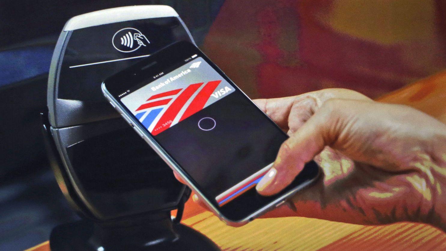 FREMTIDENS MÅTE Å BETALE PÅ: - 2015 er året for mobile betalingsløsninger, mener Jens Nes, landsjef i Visa Norge.