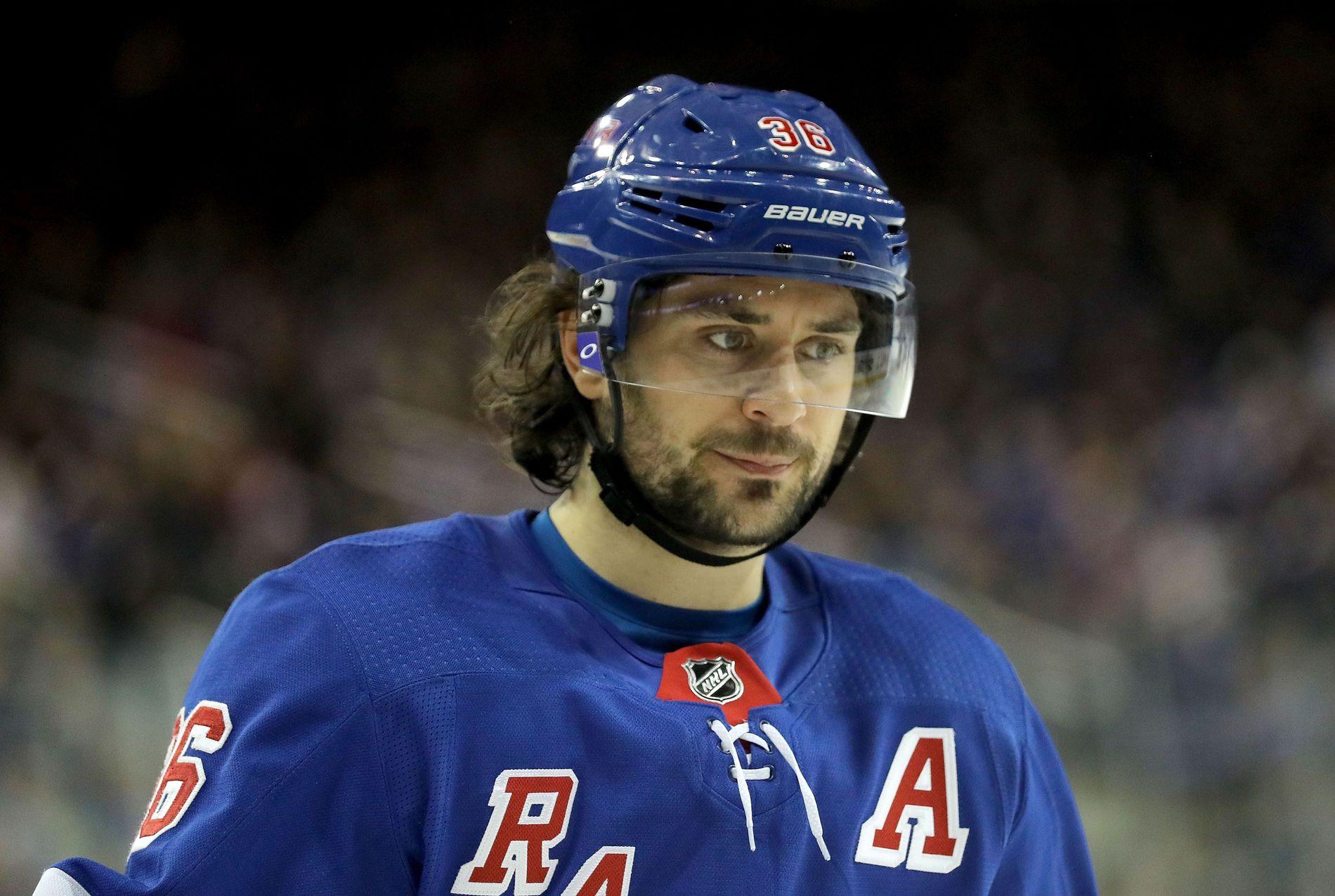PÅ VEI BORT? Mats Zuccarello sin fremtid i New York Rangers virker uklar.