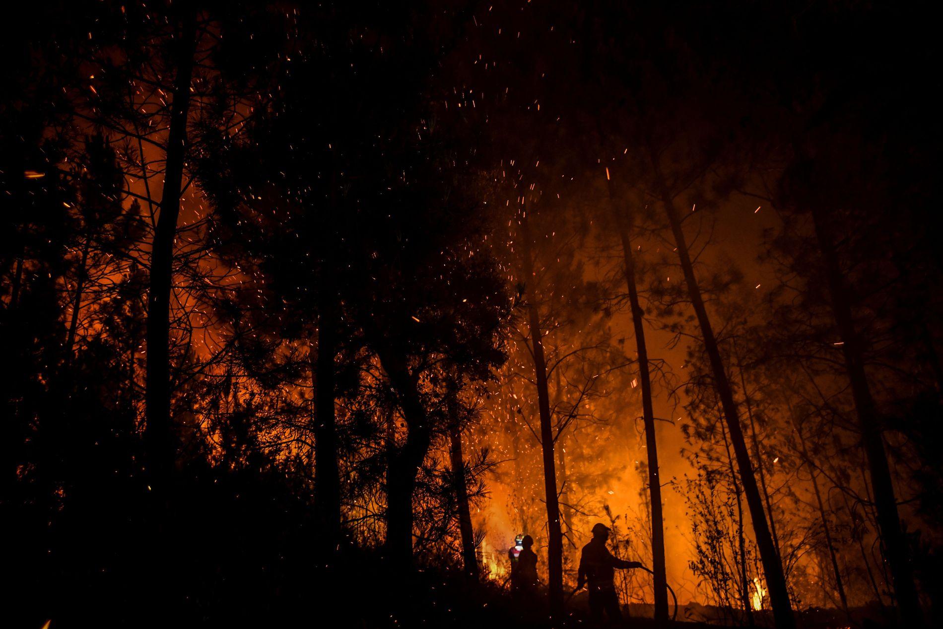 STORBRANN: Mange innbyggere har blitt evakuert fra området.