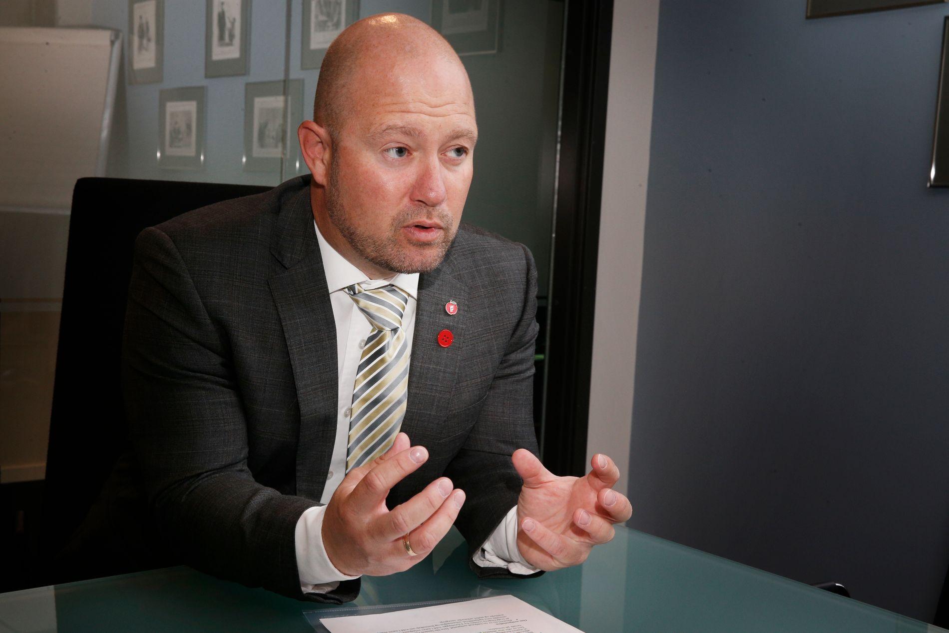 SKULLE STYRKE ARBEIDET: Justisminister Anders Anundsen har vedtatt at regjeringen skulle styrke arbeidet med økonomisk kriminalitet. Nå mener flere fagfolk at arbeidet er svekket.