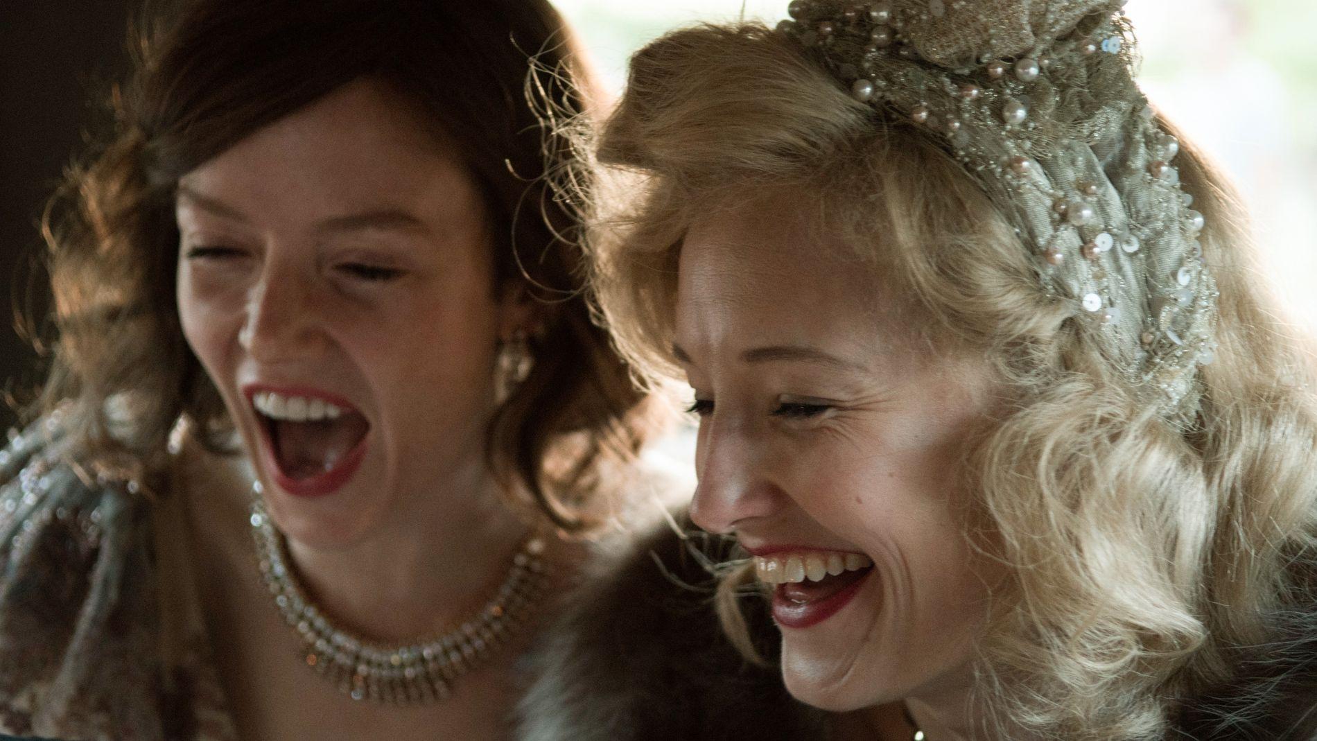 GLANSDAGER I HOLLYWOOD: Valene Kane og Ine Marie Willman i «Sonja».