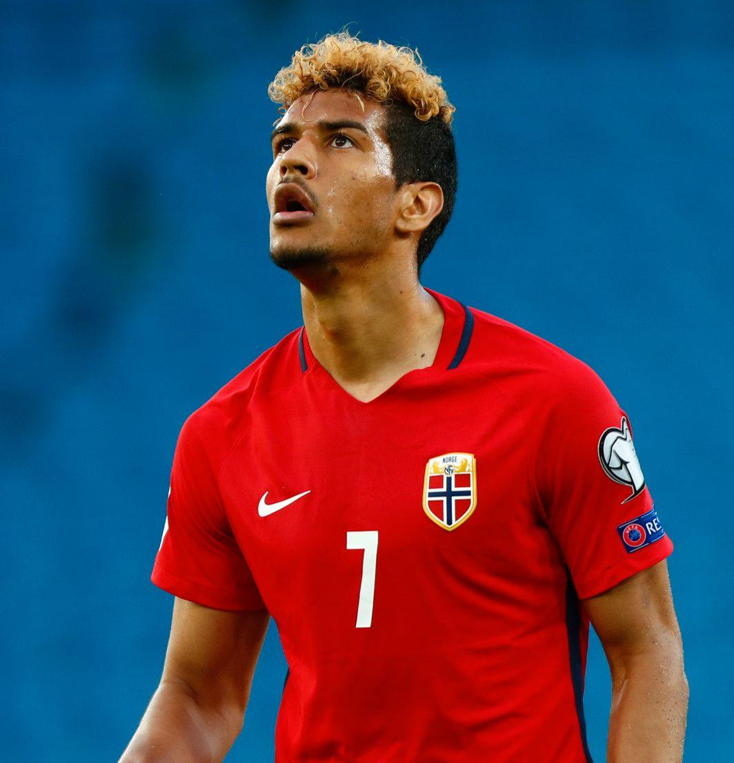 LANDSLAGSSPISS: Ohi Omoijuanfo fikk sin debut for Norge mot Sverige i juni.