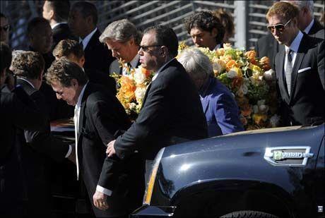 BISATT: Farrah Fawcetts begravelse fant sted i Los Angeles tirsdag. Foto: EPA