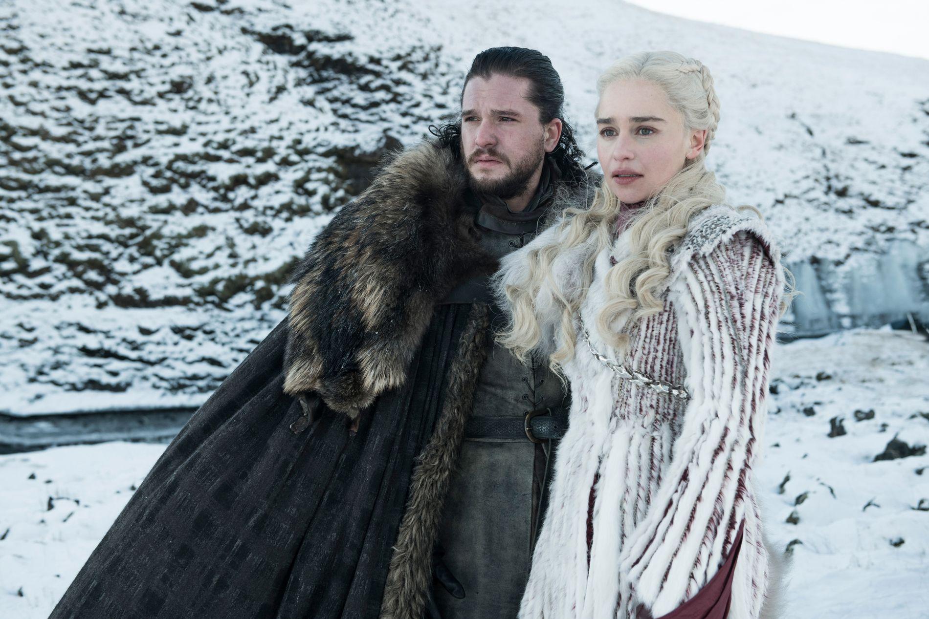 PÅ TV: Kit Harington som Jon Snow og Emilia Clarke som Daenerys Targaryen i sesong 8 av «Game of Thrones».