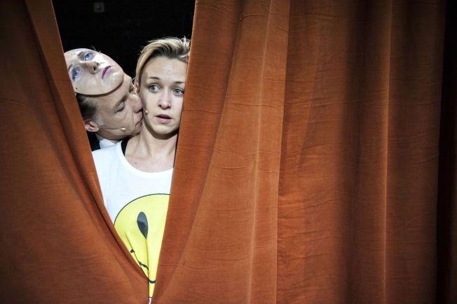 ROLLER: Marie Blokhus og Mads Ousdal skaper fine kontraster i «Hamlet». Foto: DAG JENSSEN