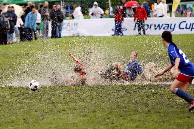 NORWAY CUP: Idretten skal være for alle, men det blir stadig dyrere for foreldrene. Det blir klasseskille i barneidretten.