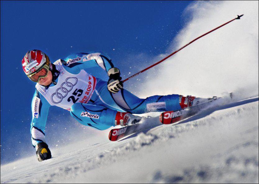 GIR SEG: Truls Ove Karlsen legger opp som alpinist. Her er han under VM i 2009. Foto: Helge Mikalsen, VG