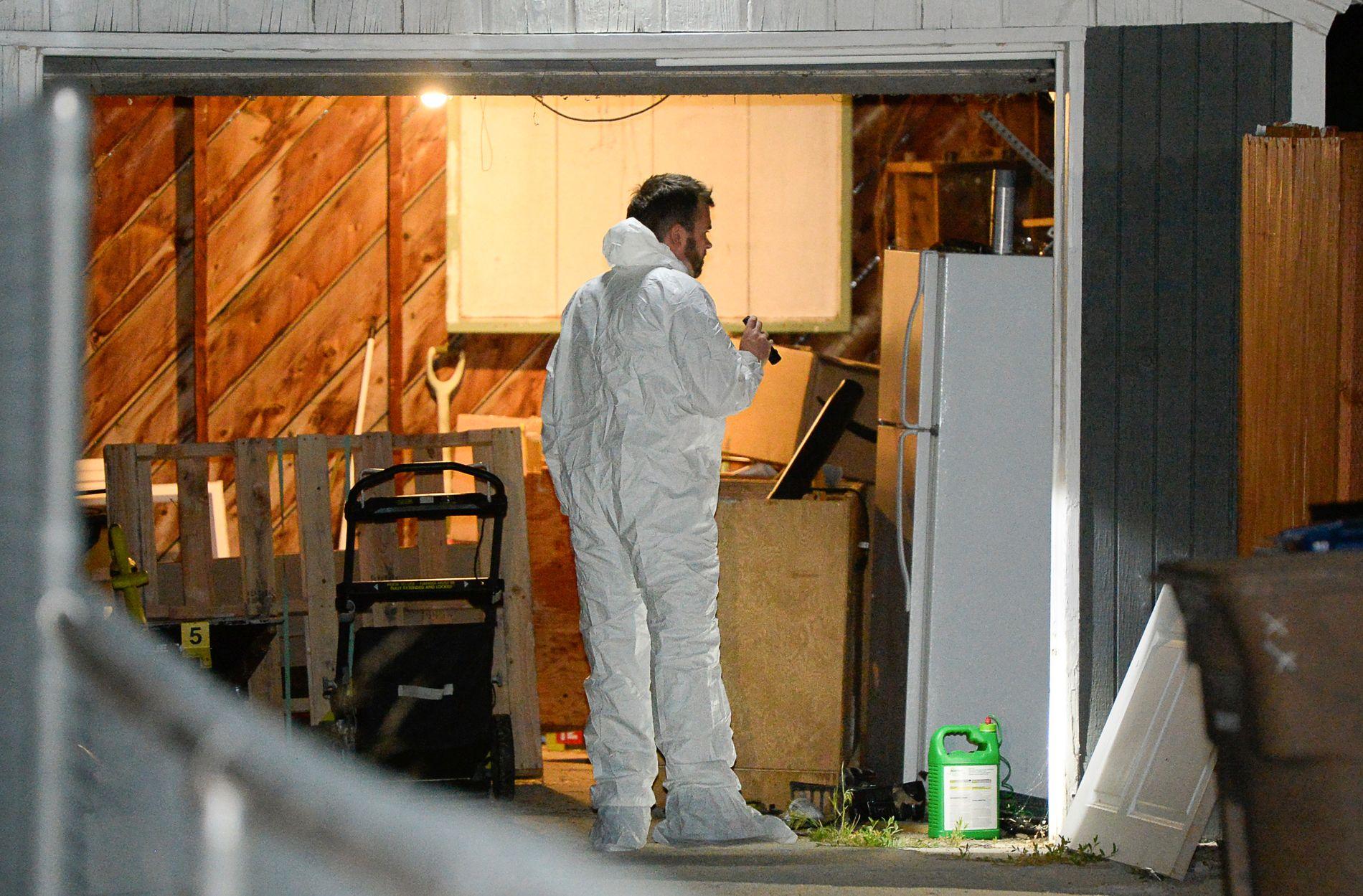 ETTERFORSKNING: Politiet undersøker en eiendom etter at en 23 år gammel kvinne forsvant i området mandag for over en uke siden.