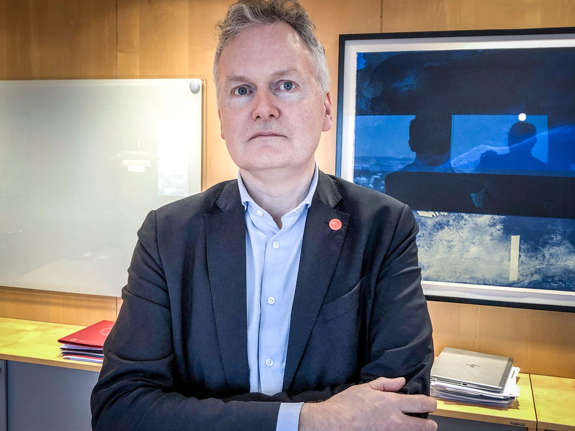 VIL KUTTE TAXIKJØRING: Direktør Arne Benjaminsen ved Universitetet i Oslo foretrekker at flere ansatte benytter seg av elbilordningen enn å ta taxi.