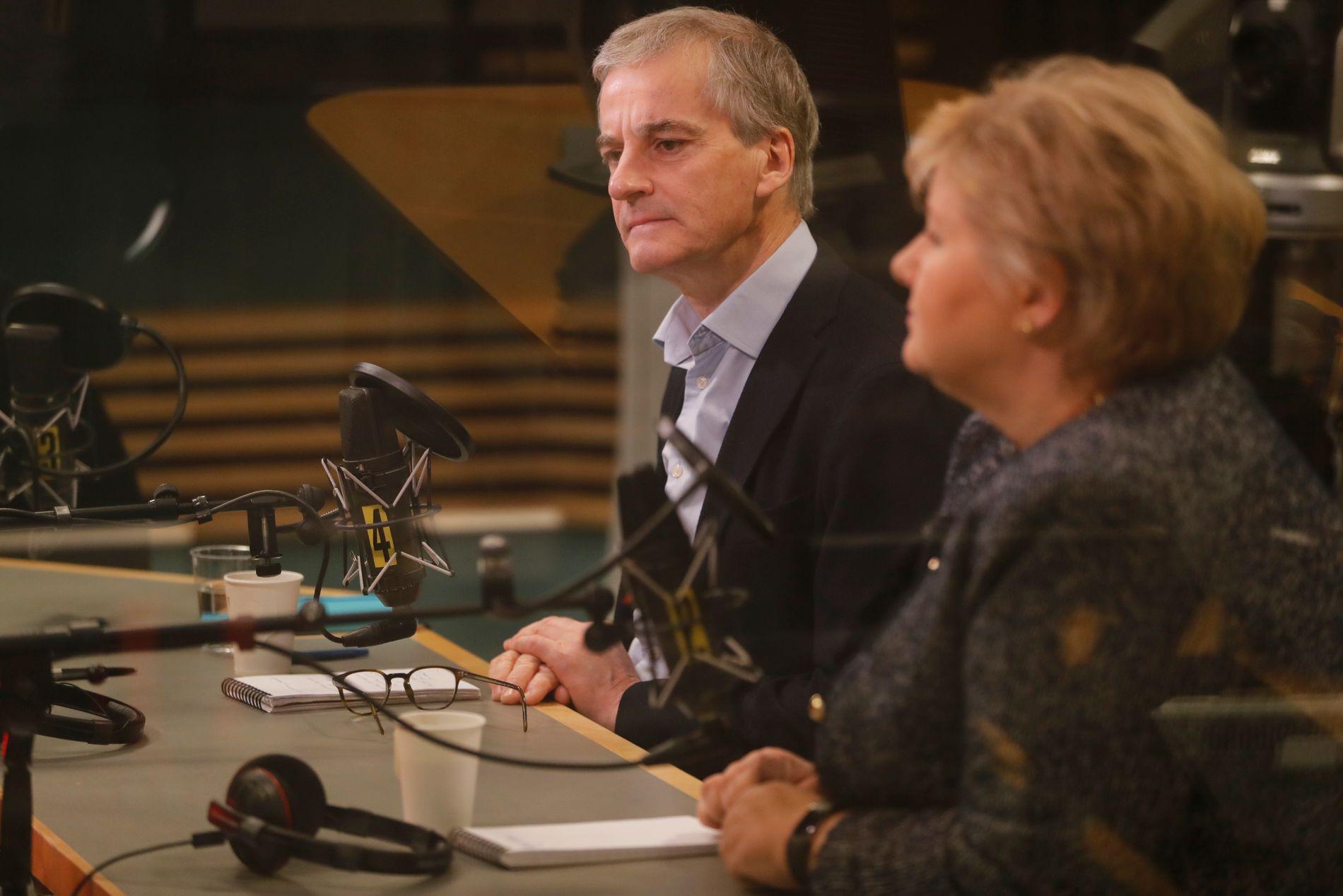 SNAKKET UT: Støre diskuterte nok en gang varslene om Giske tirsdag morgen på NRK-programmet Politisk Kvarter. Her i studio på Marienlyst sammen med statsminister Erna Solberg.