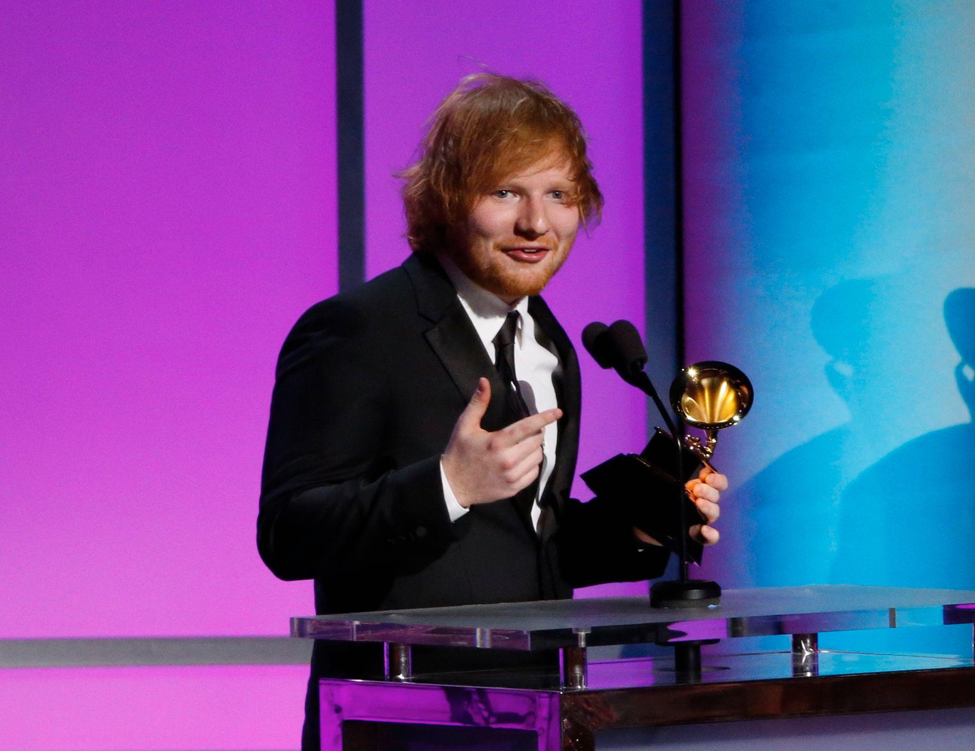 GRAMMY PRIS: Ed Sheeran, som for tiden er verdens mest strømmede artist, ble i 2016 tildelt en Grammy for «Best Pop Solo Performance» for «Thinking Out Loud».